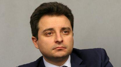 """Депутатът от БСП Димитър Данчев прогнозира повишаването на корупционния риск и затрупването на съдилищата с жалби при въвеждане на """"Бонус-малус""""."""