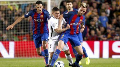 Иван Ракитич (вдясно) може да напусне Барселона