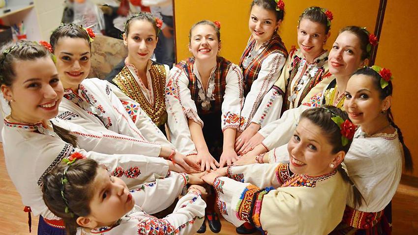 Βουλγαρικό χορευτικό συγκρότημα στο Μόντρεαλ. Φωτογραφία: Τσόνκο Στογιάνοφ
