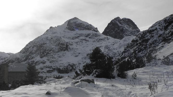 През почивните дни почитатели на алпиниста Боян Петров му отдадоха