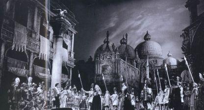 Сцена от операта от 3 февруари 1990 г. с участието на Гена Димитрова и Александрина Милчева.