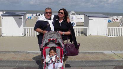 Виктор и Виктория Меламед с техния внук Виктор.