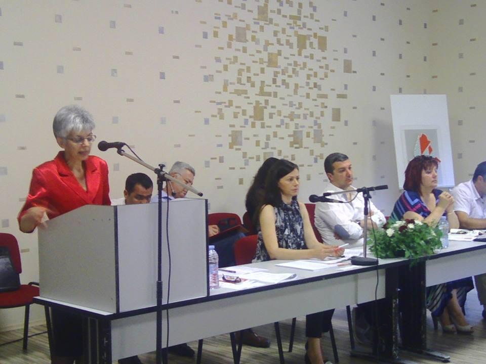 Общинският председател Валентина Бонева с доклад пред делегатите на конференцията в Стара Загора