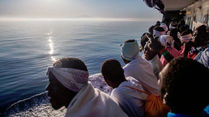 16 души са били спасени от намиращите се в района рибарски лодки.