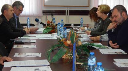 Мерки за недопускане на африканска чума по свинете обсъдиха на заседание на Областната епизоотична комисия във Видин.