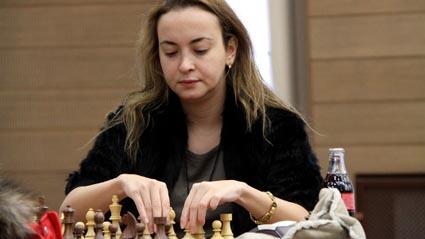 Антоанета Стефанова завърши реми с белите фигури на 31-вия ход