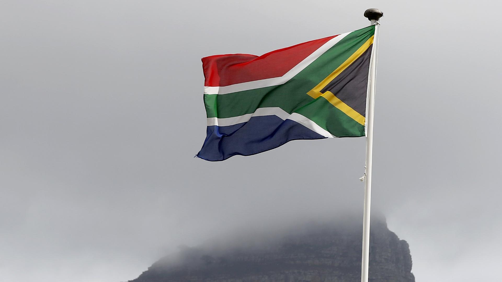 Южноафриканската полиция се намеси, за да разпръсне протестиращи срещу реклама