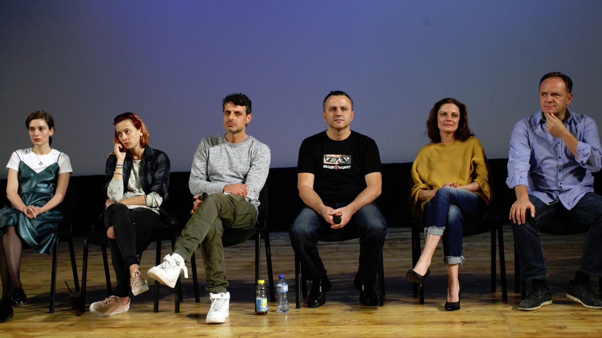 Матей Константинов заедно с част от екипа на филма