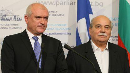 В ходе переговоров Димитр Главчев и Николаос Вуцис выявили ряд проблем, требующих общих решений.