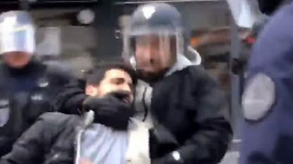 Мъжът с полицейския шлем бе идентифициран като президентския помощник Александър Бенала
