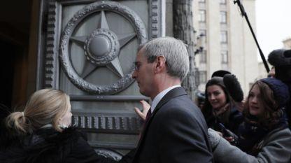 Британският посланик в Москва Лори Бристоу на влизане в руското Министерство на външните работи