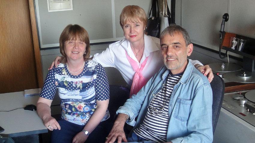 Работен момент с Илина Тодорова (вляво) и звукорежисьора Иван Николов – бивш участник в Детския хор на БНР.