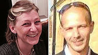 Чарли Роули (вдясно), който бе поразен от отровното вещество и Доун Стърджис, който почина през юли.