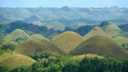 Шоколадовите хълмове във Филипините.
