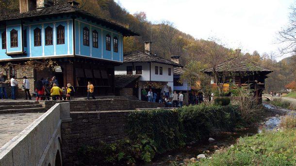 """Етнографски музей на открито """"Етър"""" иобщина Габрово организират иновативен архитектурен"""
