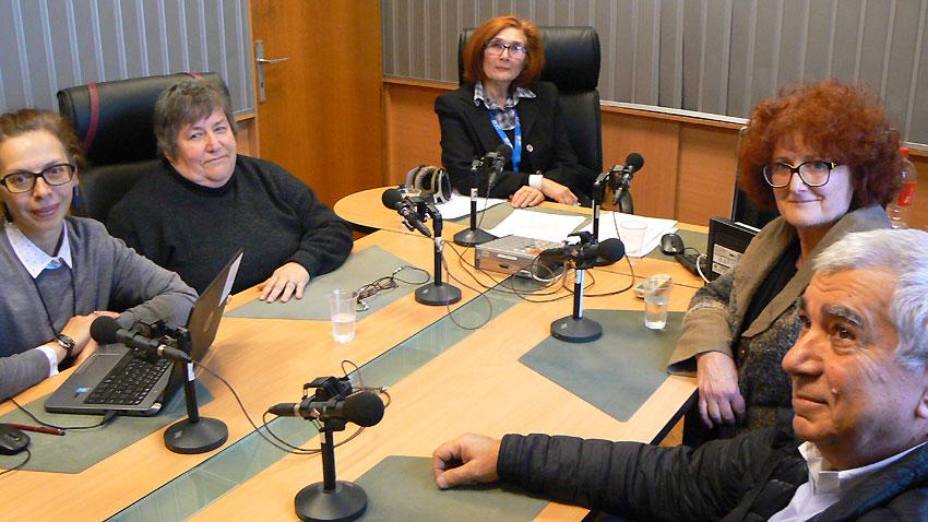 Дани Колева, Ралица Мухарска, водещата Цвета Николова, проф. Красимира Даскалова и Васил Василев