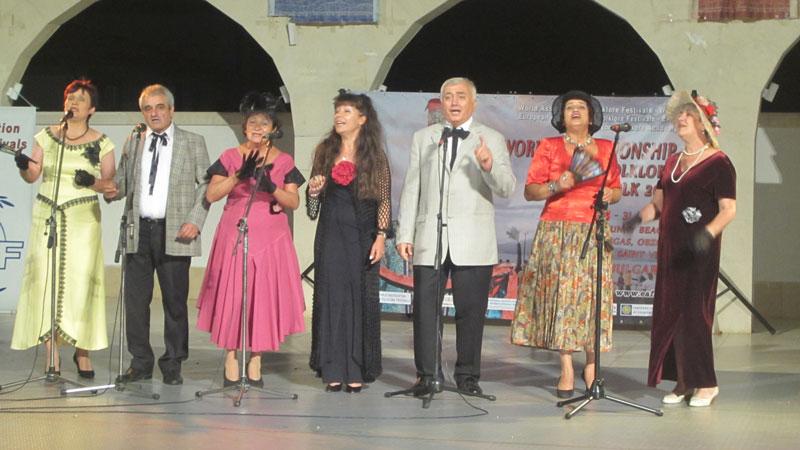 Изпълнители, музиканти и ентусиасти от България и Македония ще направят