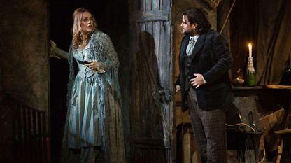 Кристине Ополаис и Жан-Франоса Борас в сцена от операта