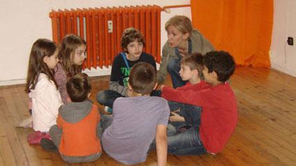 Урок по актьорско майсторство в школата на Олег Ковачев.