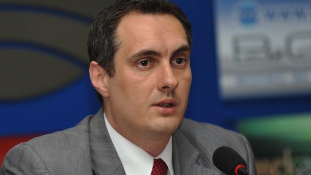 Калин Славов смята, че т.нар. комисия Антикорупция действа като едноличен орган заради законовите правомощия председателя ѝ.