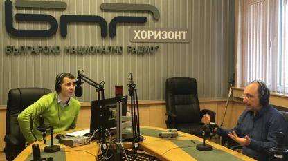 Николай Василев и водещият на