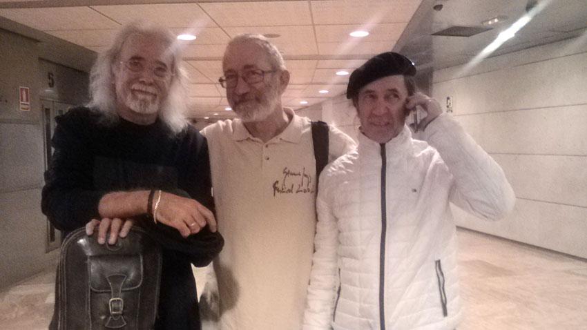 Хорхе Пардо и Карлес Бенавент са обкръжили водещия на Слънчев джаз+