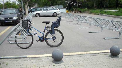 Вело паркинги има, ама алеите в София още са твърде малко