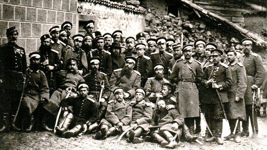 Des officiers du 63e régiment d'infanterie d'Ouglitzk