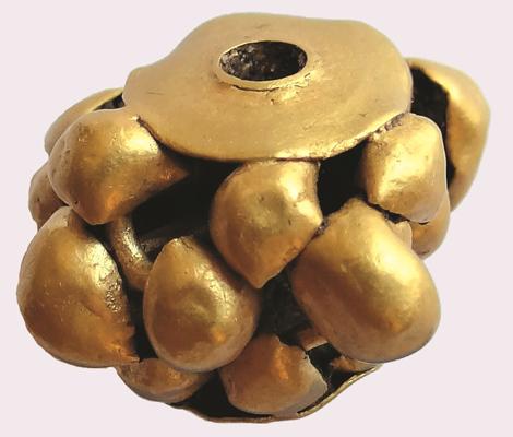 Златно мънисто от могилния некропол край с. Изворово, община Харманли, първа половина на ІІ хилядолетие пр. Хр.