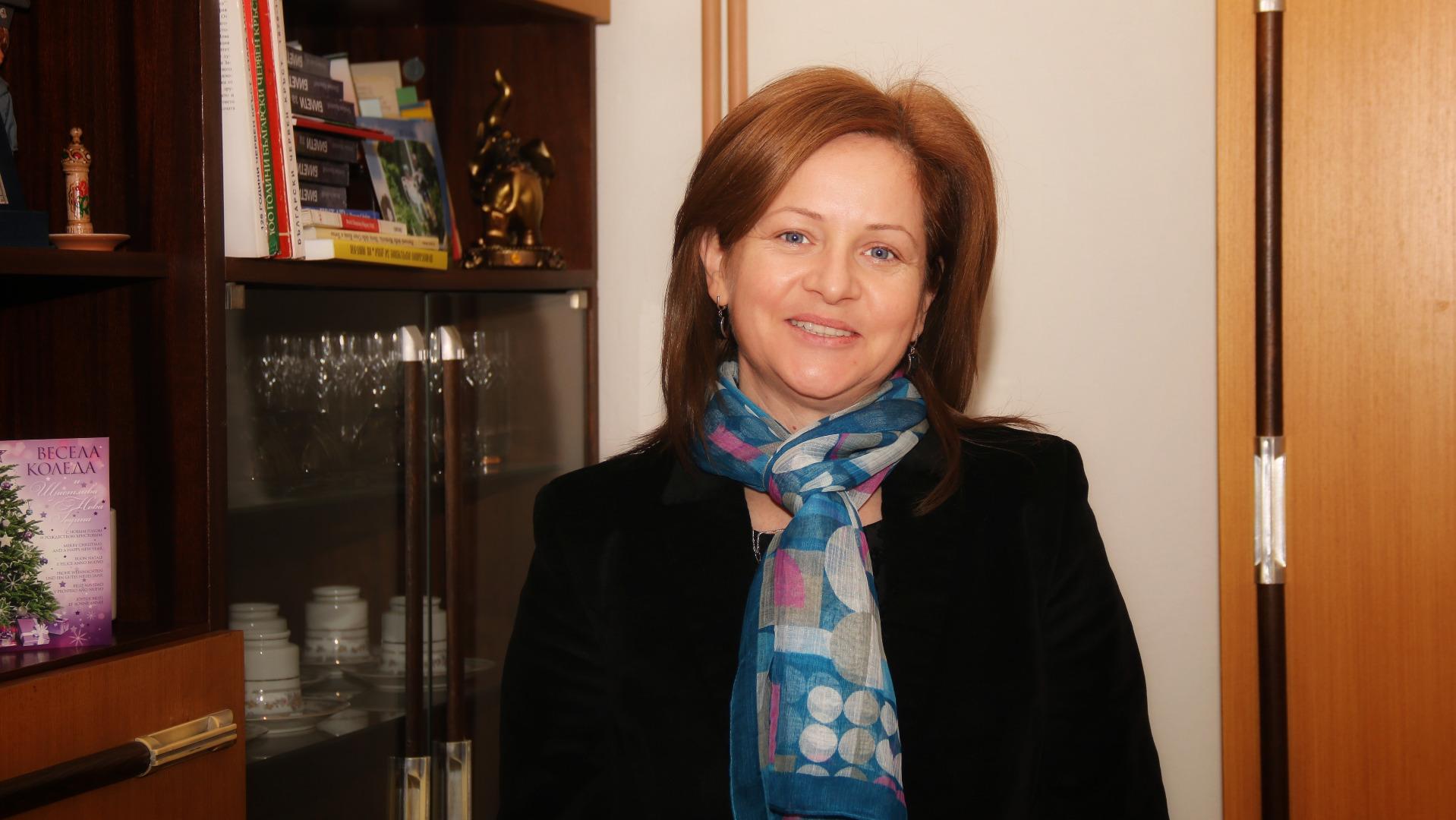 Д-р Моника Сярова