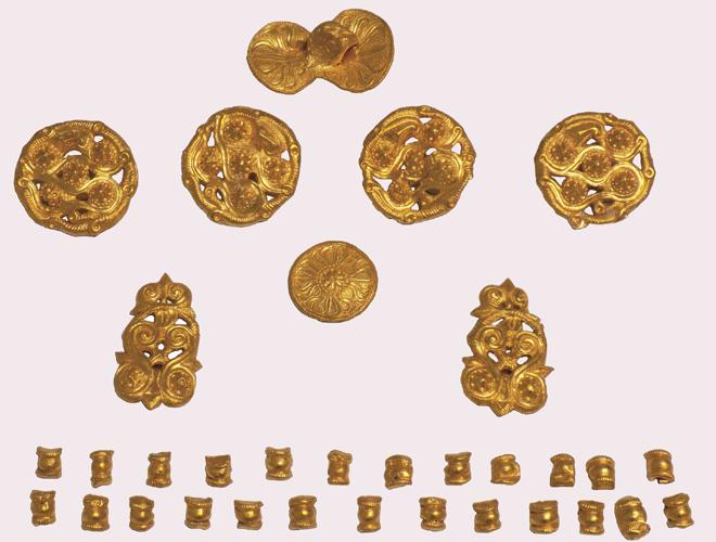 Комплект златни апликации за конска амуниция от надгробна могила край гр. Приморско, 320-380 г. пр. Хр.