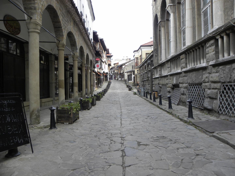 Самоводската чаршия във Велико Търново - любимо място за туристи и жители на старата столица