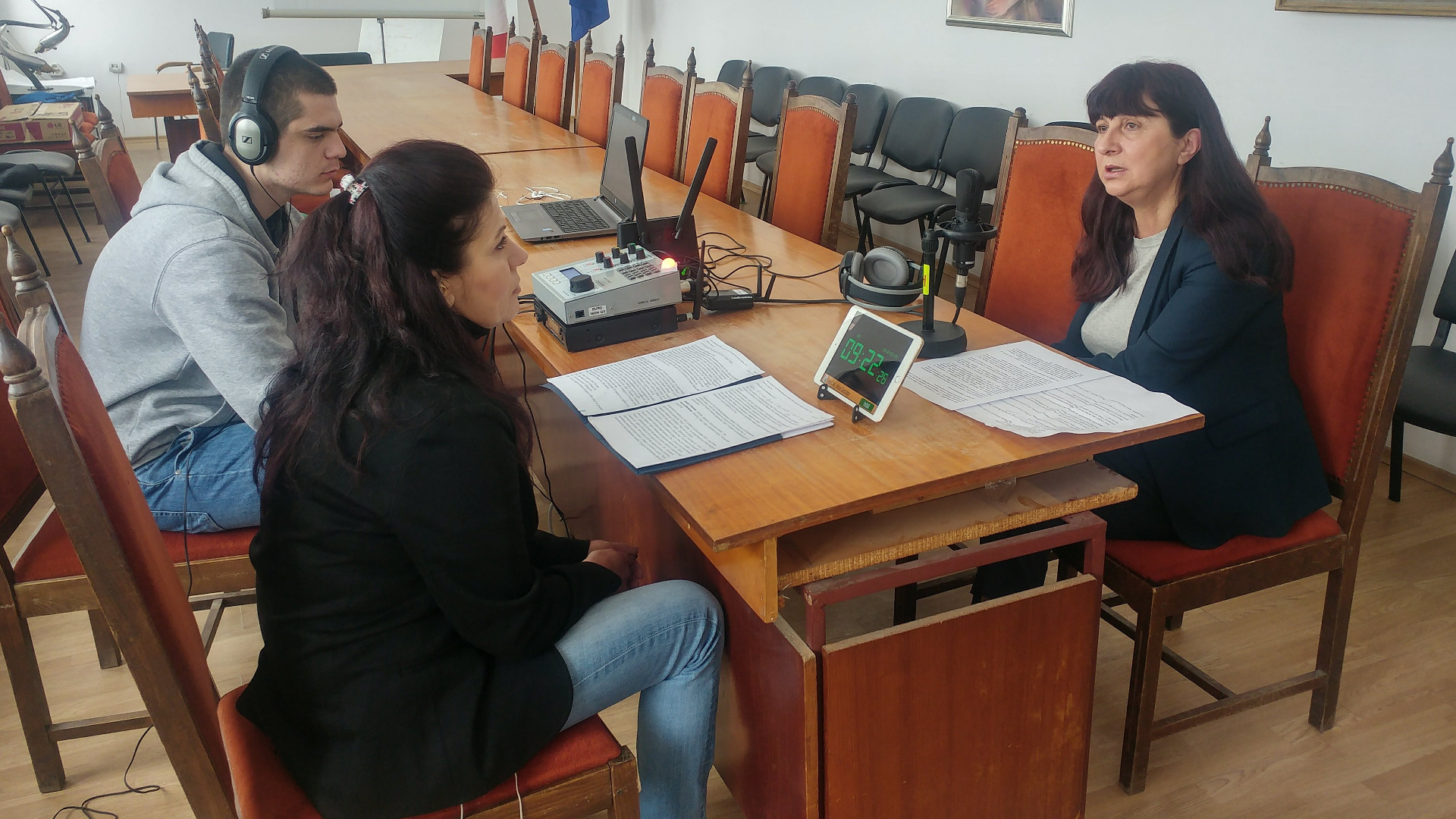 Пенка Пенкова, кмет на Община Лом, в изнесеното студио на Радио ВИДИН в крайдунавския град.