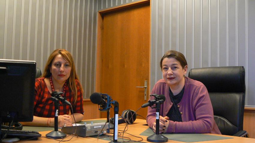 """Мария Мира Христова и Христина Богданова (вдясно) в студиото на програма """"Христо Ботев"""""""