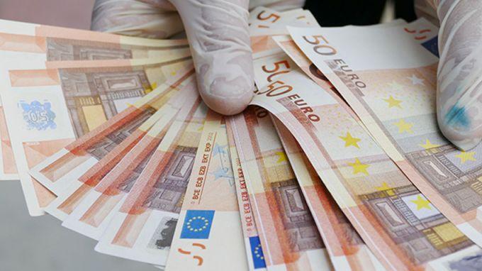 Шофьор на инкасо автомобил задигна 1 млн. евро в Париж