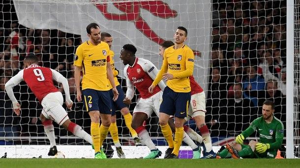 """""""Атлетико"""" измъкна 1:1 от """"Арсенал"""" с 10 души"""