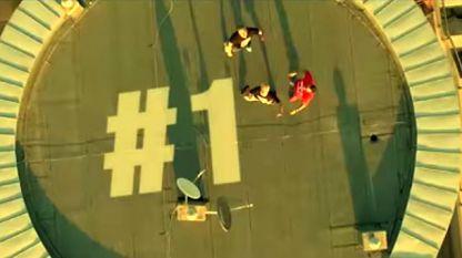 Кадър от видеоклипа към сингъла