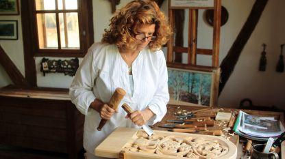 Веска Колева в своята работилница.