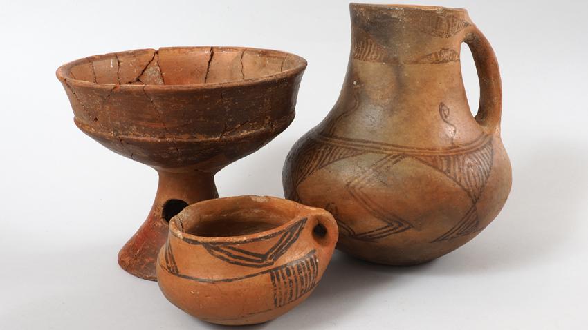Κεραμικά σκεύη. Ύστερη Νεολιθική Περίοδος, τα τέλη της 6ης χιλιετηρίδας π. Χ. Προϊστορικός οικισμός Νταμιάνιτσα, της περιοχής του Μπλαγκόεβγκραντ