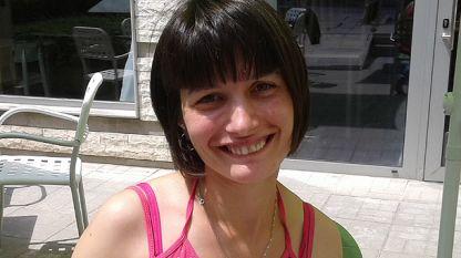 """Надя от дневен център """"Светът на Мария"""". Тя работи вече от два месеца и се чувства щастлива."""