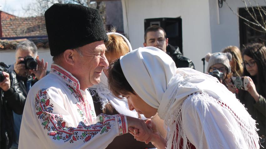 Днес Православната църква отбелязва Сирни Заговезни. Празникът е известен още