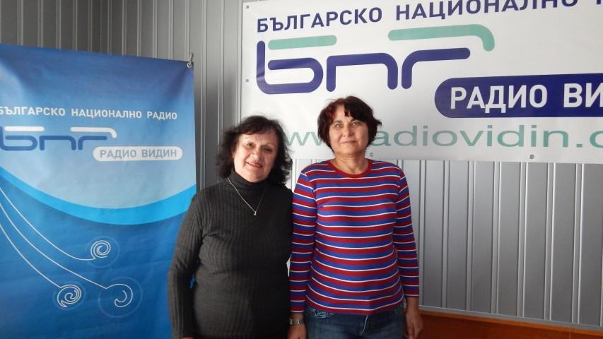 Янка Маринова и Цеца Маркова (от ляво надясно)