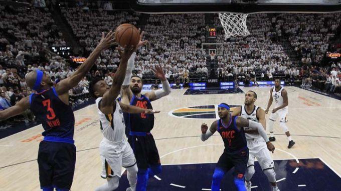 """""""Хюстън"""" и """"Юта"""" на победа от втори кръг в НБА"""