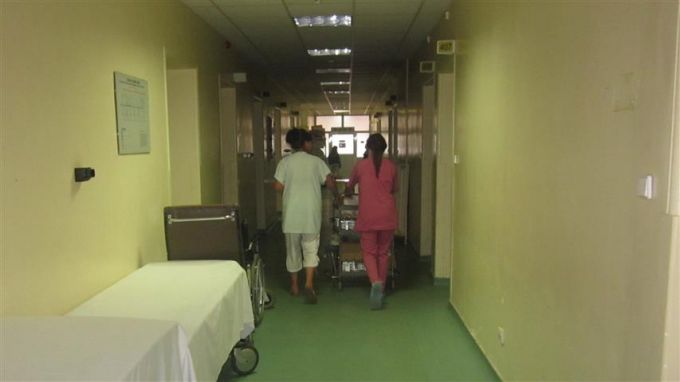 Педиатри от извънболничната помощ спасяват детското отделение в пернишката болница