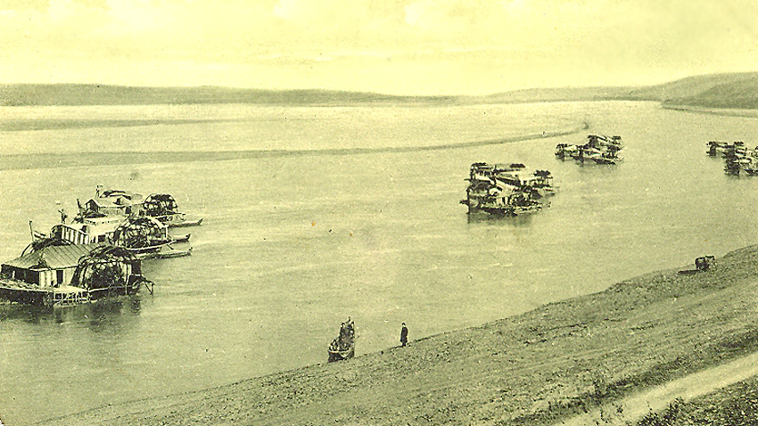 Mullinjtë lundrues, viti 1904