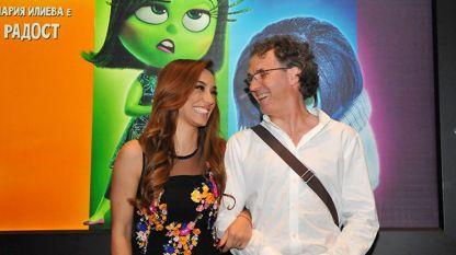 Вакил Новаков с певицата Мария Илиева, която също е участвала в дублаж на филм