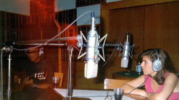 Феликс Касаверде - с китарата на втори план, във Второ студио на БНР