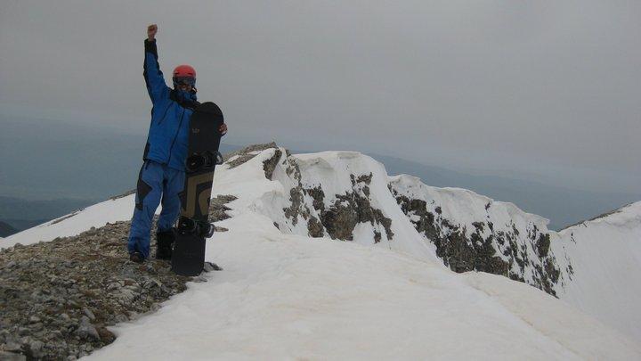 Сноубордистът Владимир Павлов планираше в края на месеца да изкачи