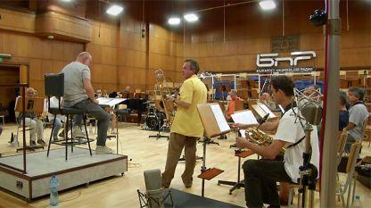 Gueorgui Kornazov (m.) und die Big Band des BNR