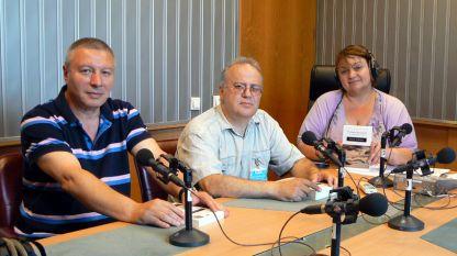 Митко Новков, Станимир Йотов и Дарина Маринова (отляво надясно) в студиото на